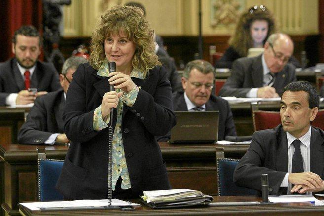 La consellera de Educación, Joana Maria Camps, en un pleno del...