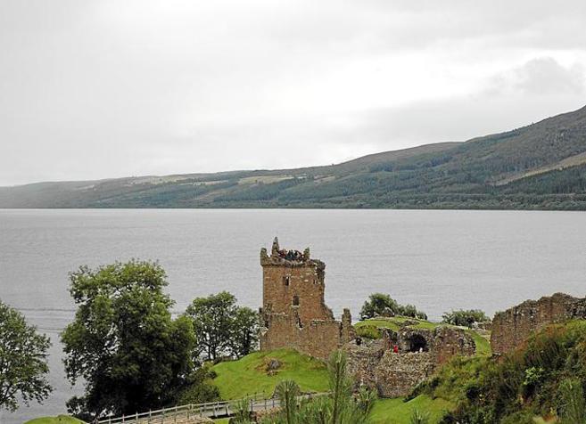 De c mo explotar el lago ness a la quiebra del 39 pepino 39 de for Oficina de turismo de escocia