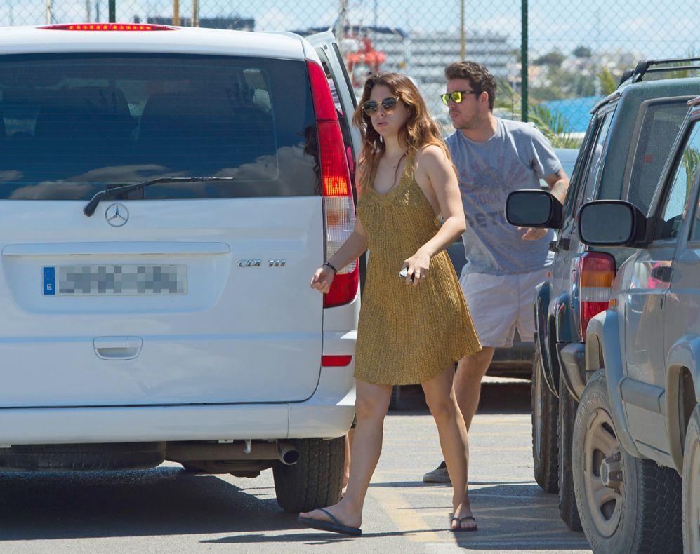 Tras su cena romántica, la pareja se ha ido de puente a Ibiza, donde...