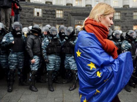 El acuerdo de Ucrania con la UE ha derivado en un conflicto entre...