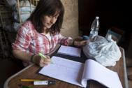 Sonia Romón, encargada de catalogar y archivar el material.