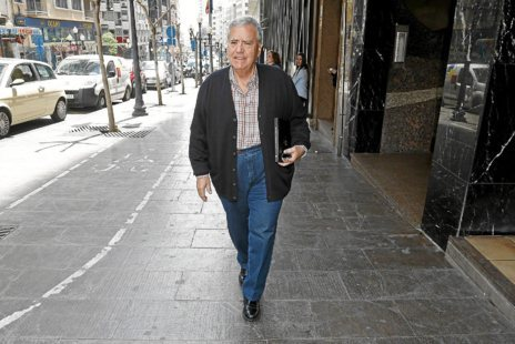 El ex alcalde de Alicante, Díaz Alperi.