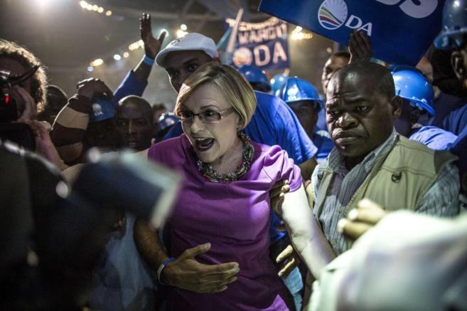La líder de la Alianza Democrática, Helen Zille, en un acto...