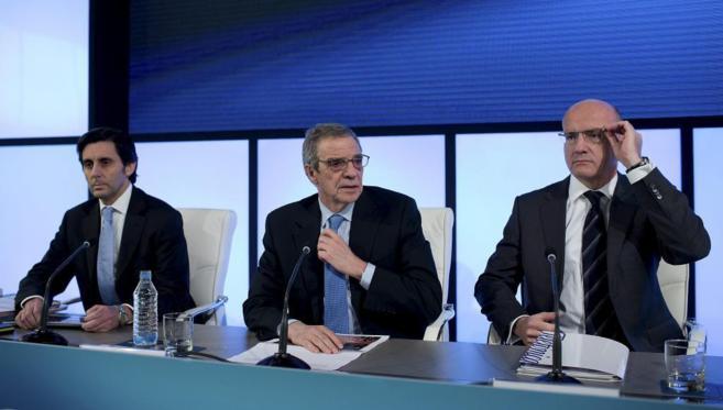 César Alierta, con el consejero delegado, José María Álvarez...