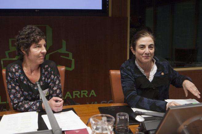 Cristina Uriarte, y Estitxu Breñas.