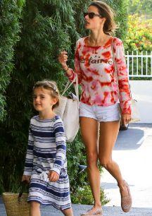 <strong>Anja Louise, hija de Jamie Mazur y Alessandra Ambrosio...