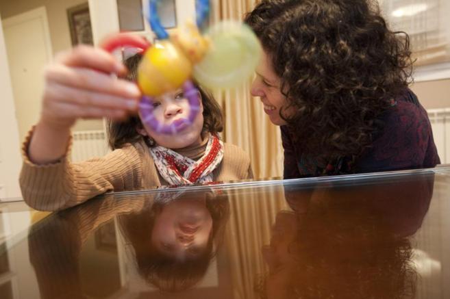 Elena Barreiro, de 9 años y afectada por el síndrome de Sanfilippo,...