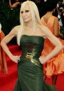 Donatella Versace. El 2 de mayo cumplió 59 años y, a pesar de...