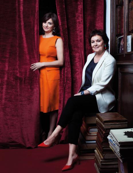 Carmen Amoraga y Clara Sánchez.