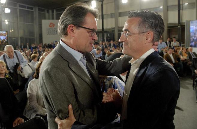 Artur Mas y Ramon Tremosa, en el mitin de arranque de campaña