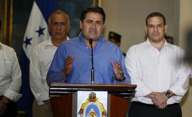 Juan O. Hernández, presidente de Honduras, en rueda de prensa sobre...