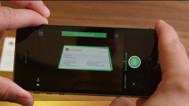 La 'app' Business Card Camera de Evernote y LinkedIn.