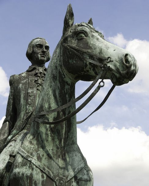 Una de las estatuas de Gálvez en EEUU.