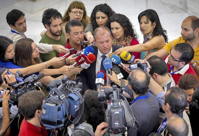 El presidente de Extremadura, José Antonio Monago, ayer en el...