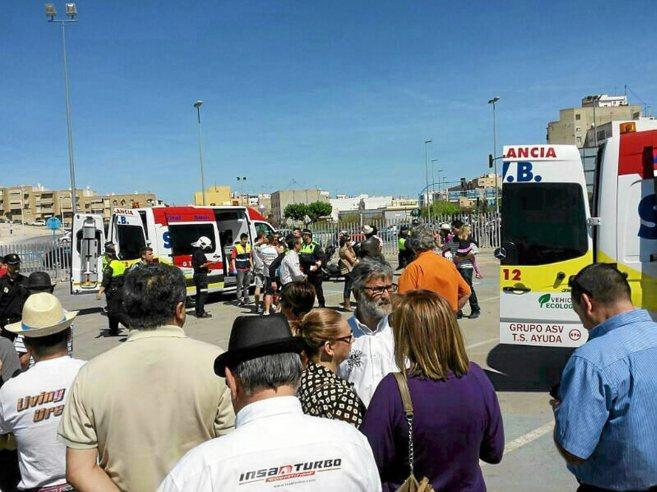 Dispositivo médico desplazado a la zona justo después del accidente...