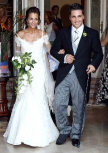Paula Echevarría y David Bustamante, ella vestida por Rosa Clará, el...