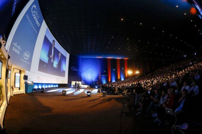 Asistentes al evento Cisco Conect celebrado en Madrid por la...