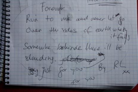 Una estrofa escrita por Lorenzo.