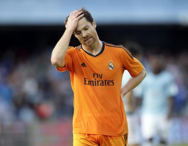Xabi Alonso se lamenta tras el segundo gol del Celta.