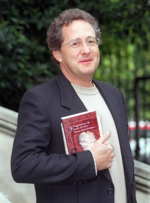 El escritor Héctor Abad Faciolince
