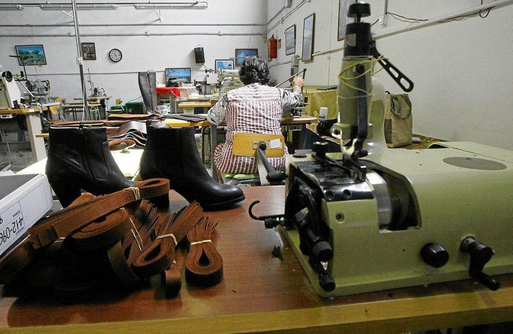 ebc1018366 Crece la producción del calzado, también la economía sumergida ...