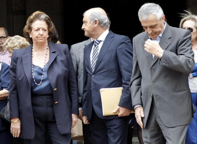Rita Barberá, durante el minuto de silencio en Valencia por el...
