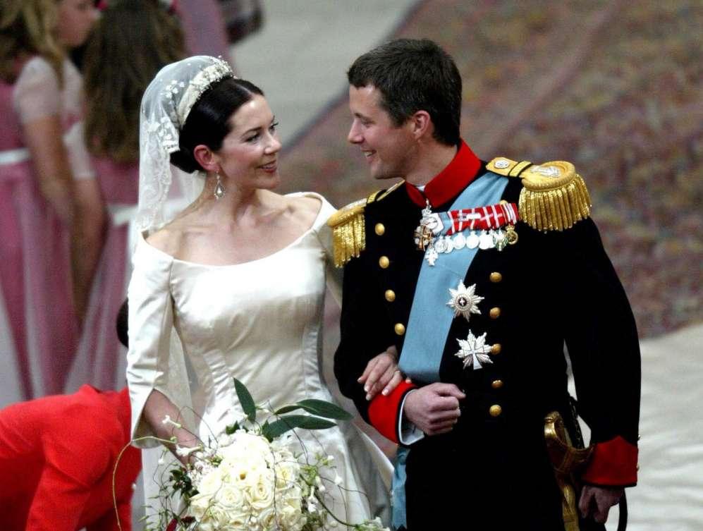 El príncipe Federico lloró cuando vio a Mary Donaldson entrar en la...