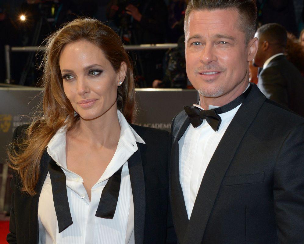 La actriz volvió a sorprender con un look masculino de lo más...