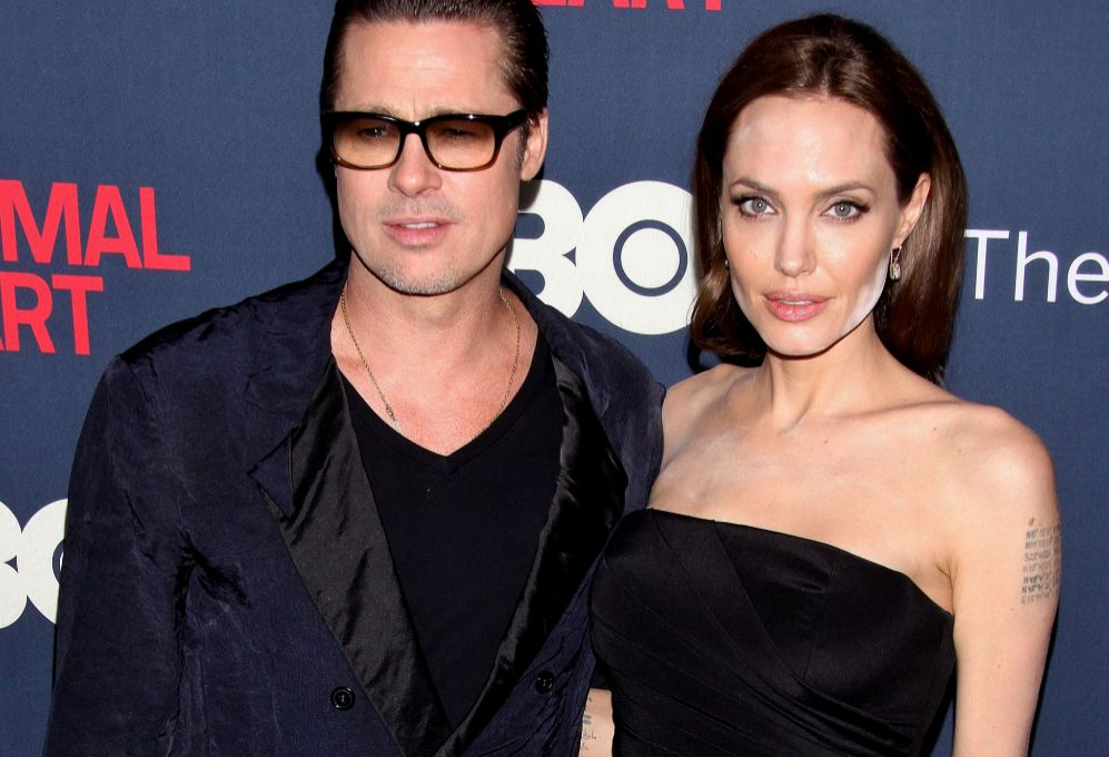 Este lunes, era Jolie quien acompañaba a su esposo en el estreno de...