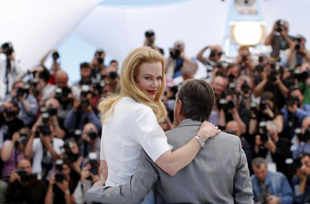 Nicole Kidman posa con el actor Tim Roth.