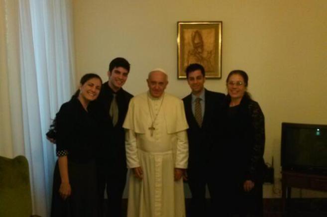 El Papa con la viuda del fallecido opositor cubano Oswaldo Payá y sus...