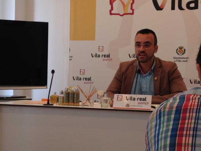 El alcalde de Vila-real compareció con los ambientadores que compró...
