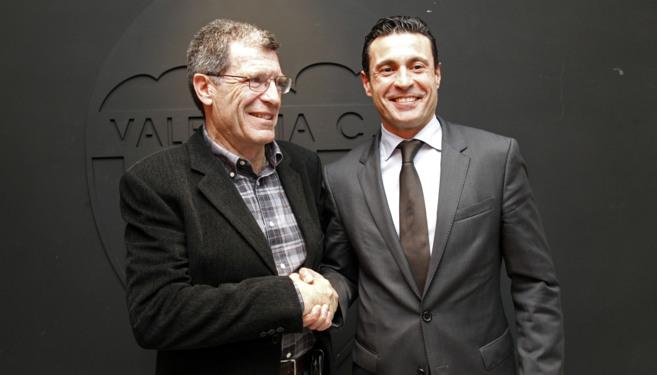 Aurelio Martínez y Amadeo Salvo, tras una reunión del Patronato de...