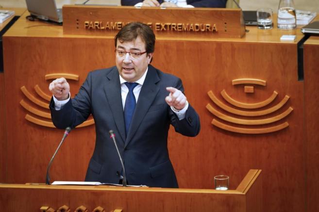 El líder socialista, Guillermo Fernández Vara, durante su...