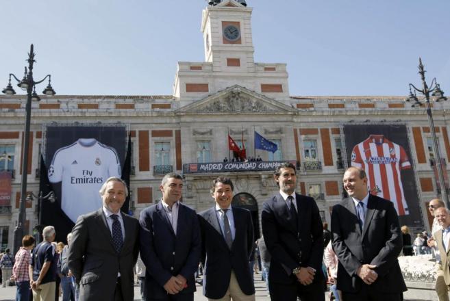 Ignacio González, junto a Sanchís y Caminero, en la presentación de...