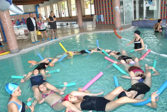 Usuarias del curso durante unos ejercicios.