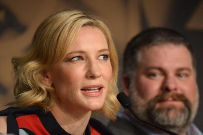 La actriz Cate Blanchett, junto al director Dean Deblois, esta mañana...