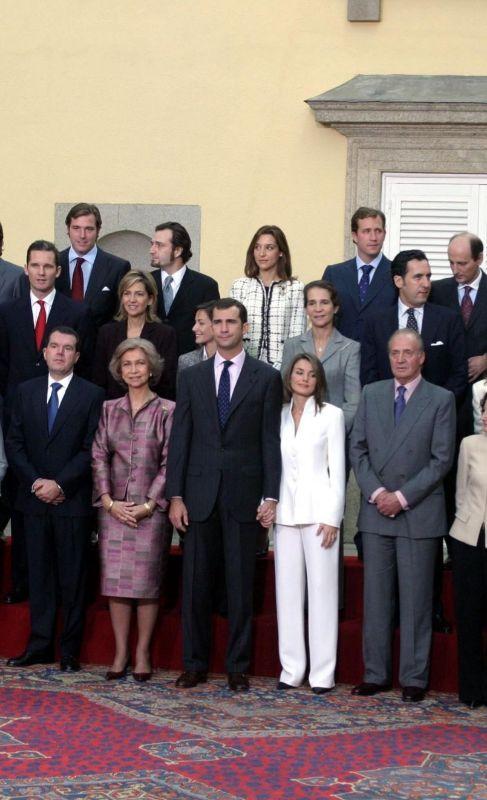 POSADO FAMILIAR. Los príncipes, en el centro de la imagen, fueron los...
