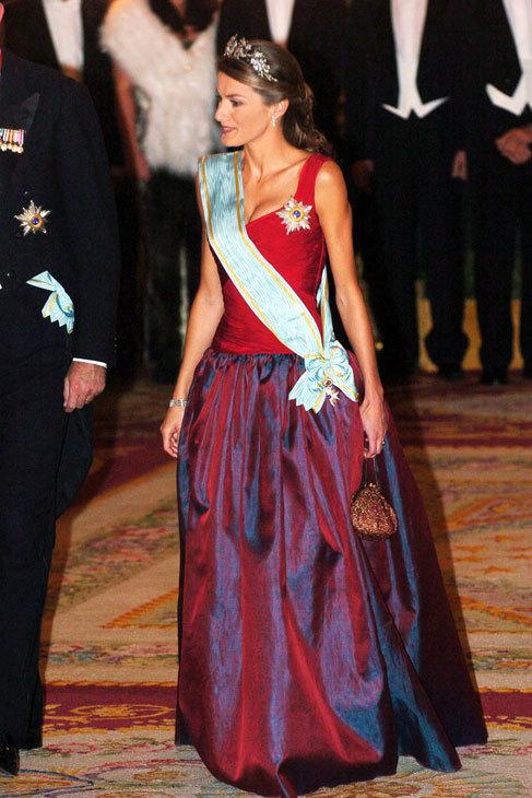 En la época de los corpiños de Caprile, Letizia se atrevió con...