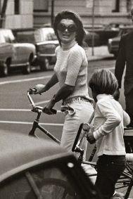 Con John cruzando hacia Central Park, 1969.