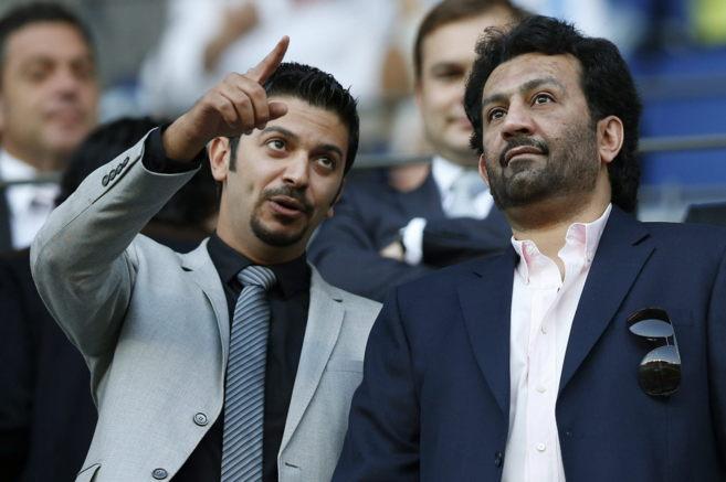 Abdullah Al Thani, a la derecha, durante el partido frente al Levante.