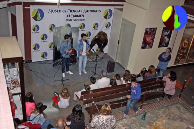 Una de las actividades con los miembros de Aescena.