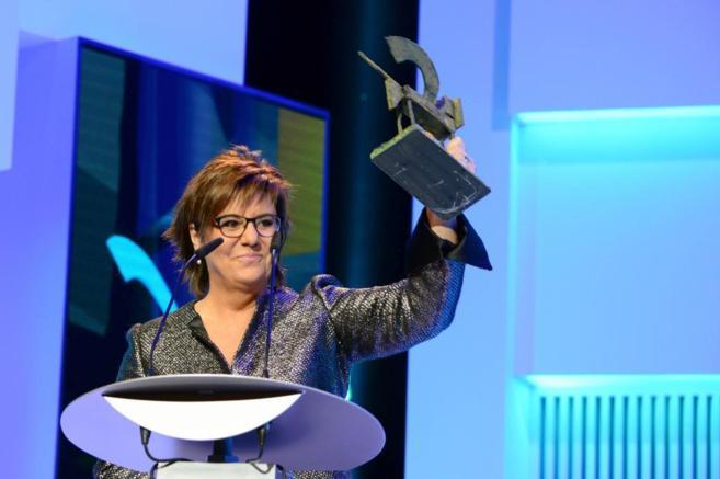 María Escario recoge un Premio Ondas, en noviembre de 2013.