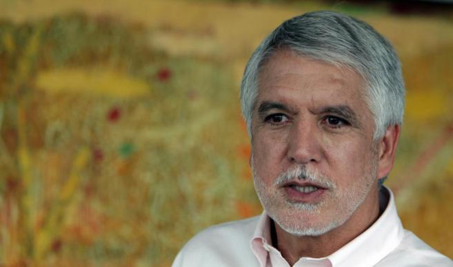 El candidato presidencial colombiano por el partido Alianza Verde,...