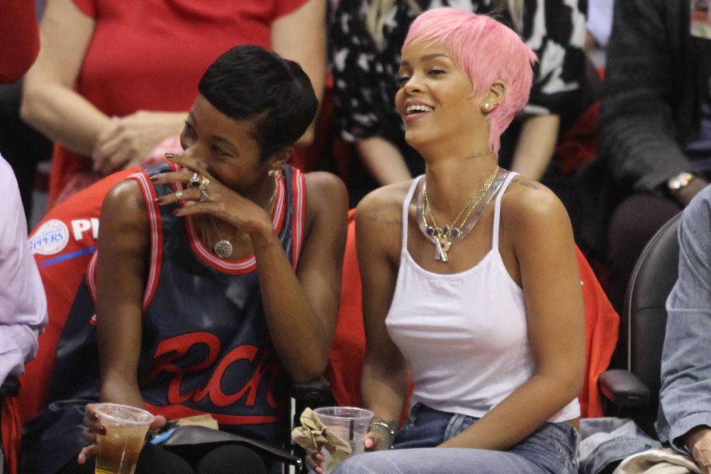 Rihanna es de las adeptas a la corriente 'braless' y ha desterrado por...