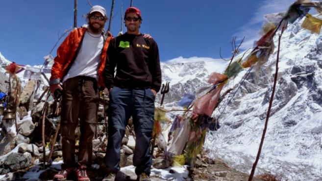 Egocheaga y Ramos en campo base Kangchenjunga.