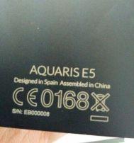 La parte trasera de los teléfonos, con un 'designed in Spain'.