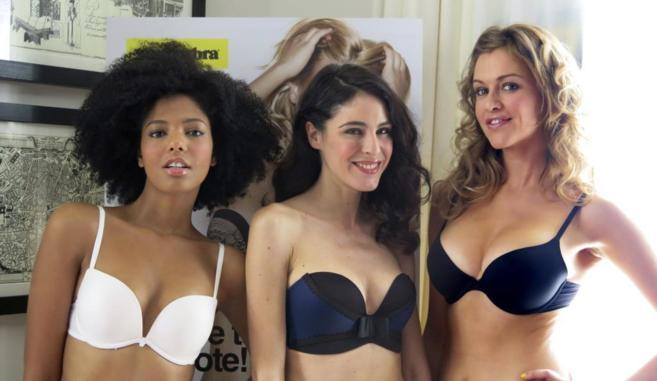Varias modelos lucen tipo en ropa interior