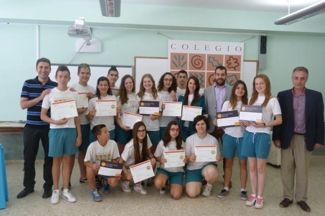 Algunos de los alumnos que han obtenido la certificación como...