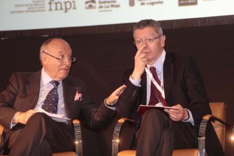 Ruiz-Gallardon conversa con Enrique García, director del Banco de...